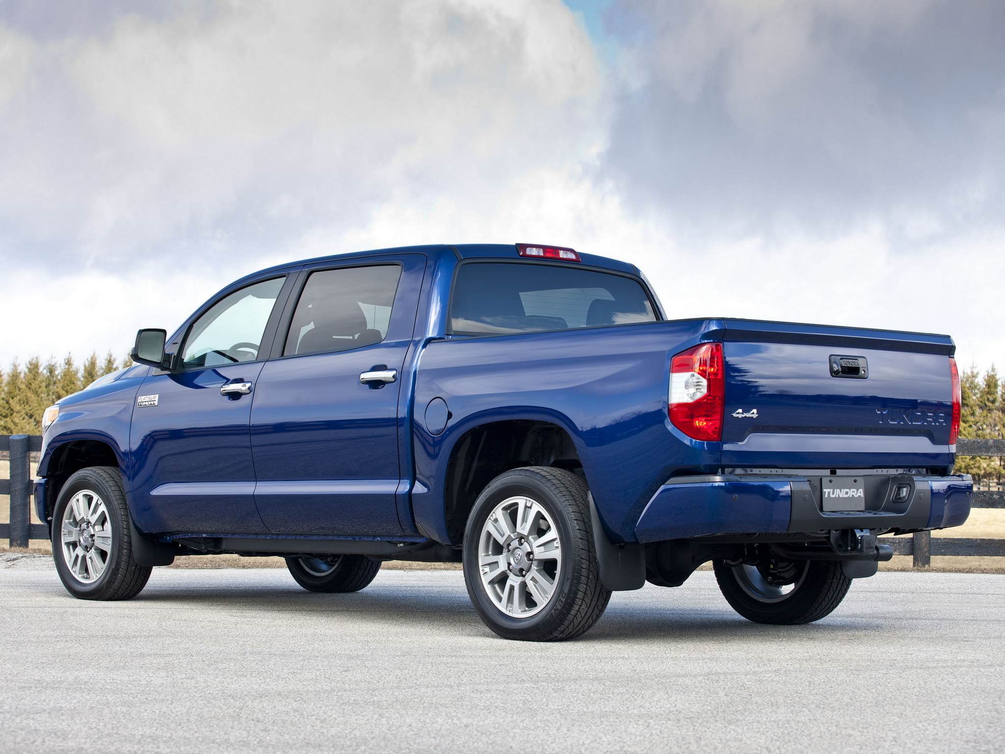 2014 toyota tundra crewmax platinum package pickup t wallpaper 2048x1536 159315 wallpaperup. Black Bedroom Furniture Sets. Home Design Ideas