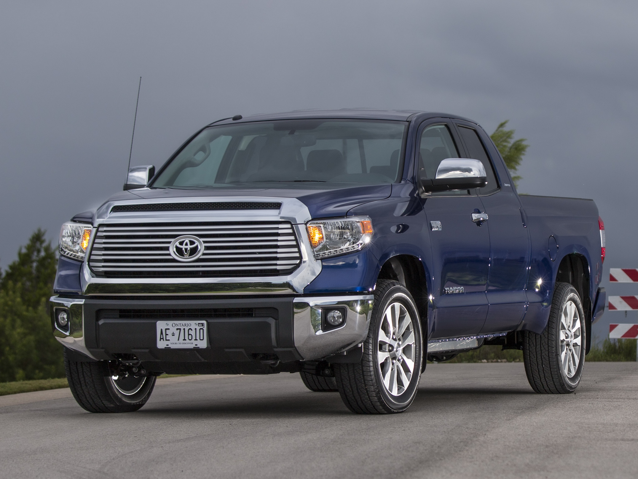 2014 toyota tundra double cab limited pickup h wallpaper. Black Bedroom Furniture Sets. Home Design Ideas