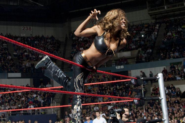 WWE DIVAS wrestling sexy babe dp wallpaper