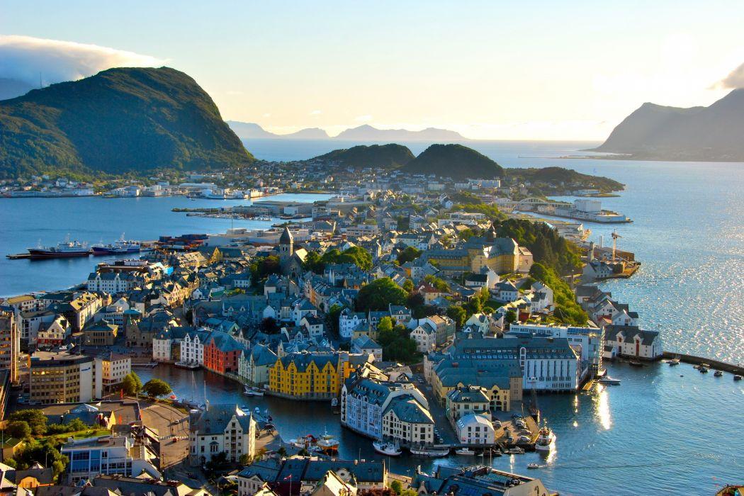 Cityscape Alesund Norway wallpaper