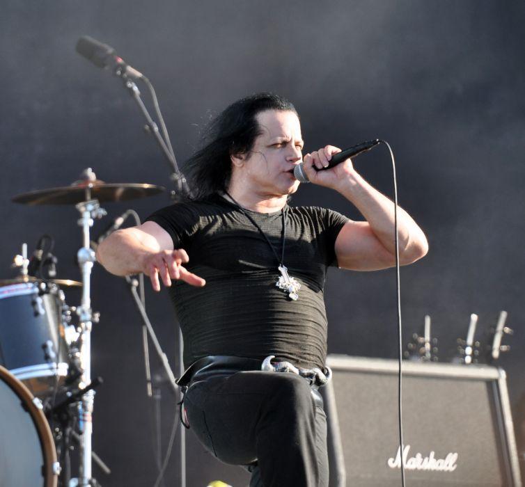 Danzig heavy metal concert    d wallpaper
