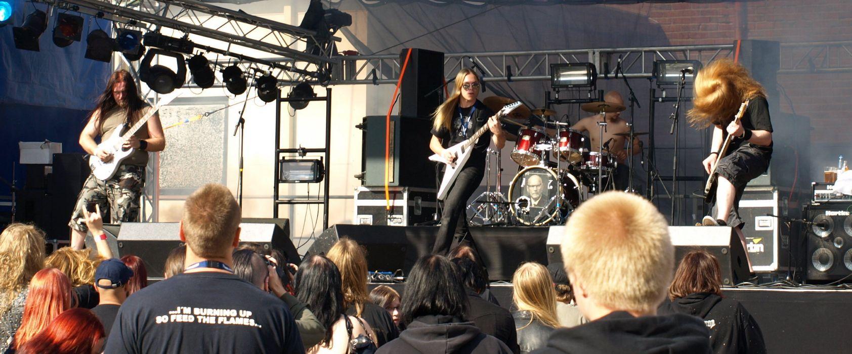 Heavy Metal Perse concert guitar    d wallpaper