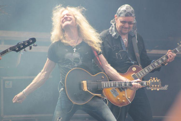 SAXON heavy metal concert guitar s_JPG wallpaper