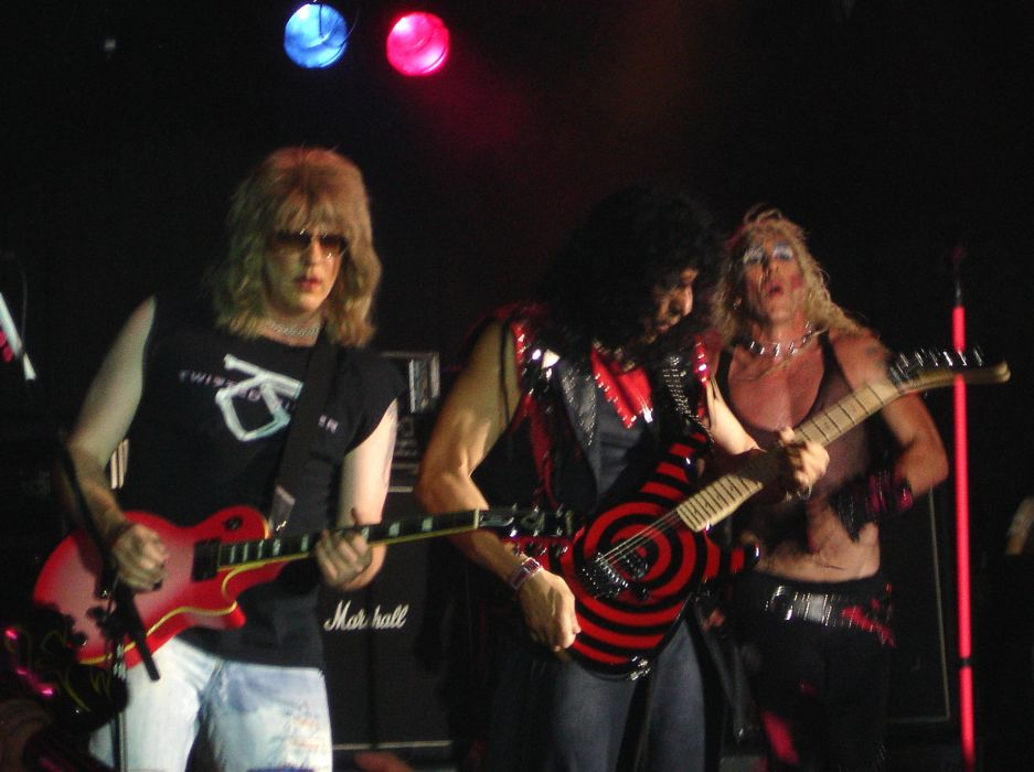 Twisted Sister heavy metal concert guitar    a wallpaper