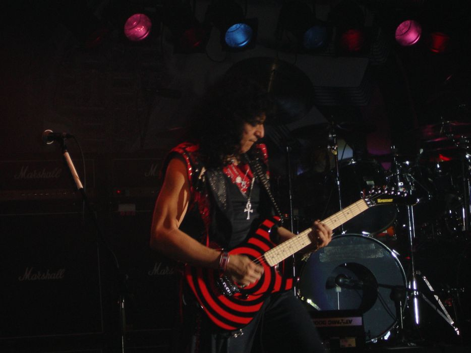 Twisted Sister heavy metal concert guitar     r wallpaper