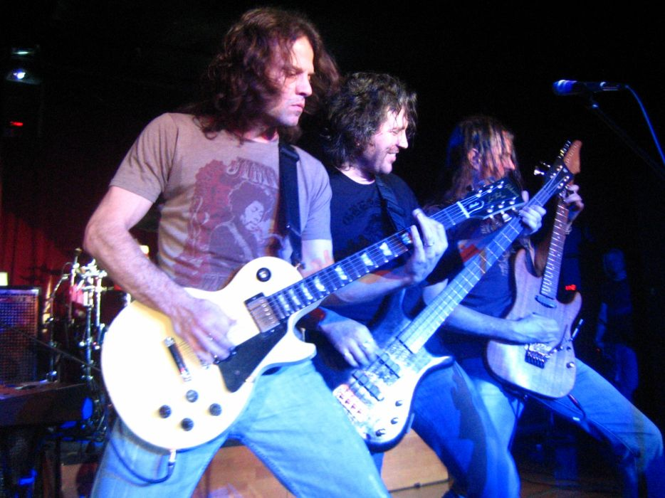 WINGER heavy metal concert guitar         f wallpaper