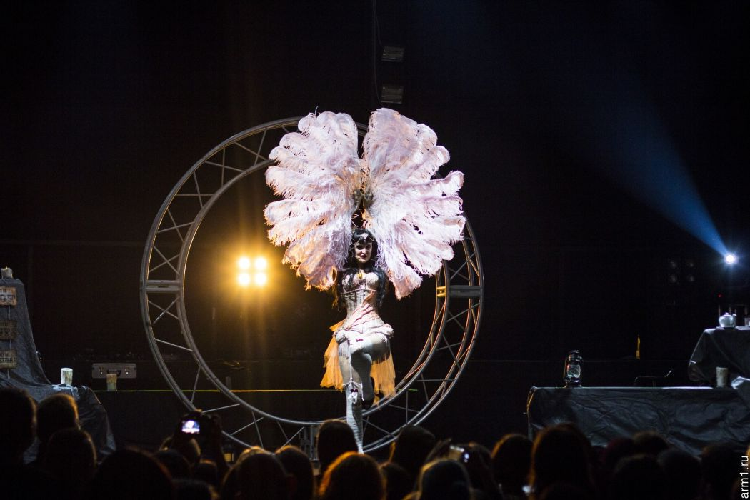 Emilie Autumn Liddell music singer songwriter poet violinist industrial rock redhead glam violin     y wallpaper
