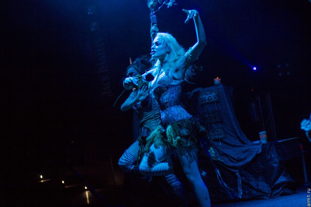 Emilie Autumn Liddell music singer songwriter poet violinist industrial rock redhead glam violin   wq wallpaper