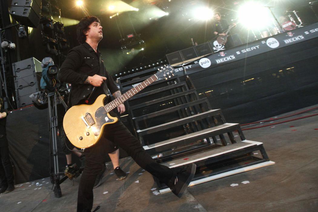 Green Day punk rock pop concert guitar    h wallpaper