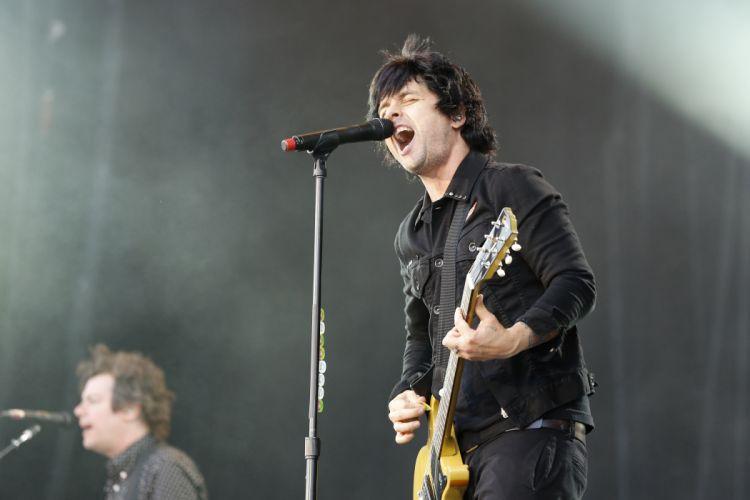 Green Day punk rock pop concert guitar g_JPG wallpaper