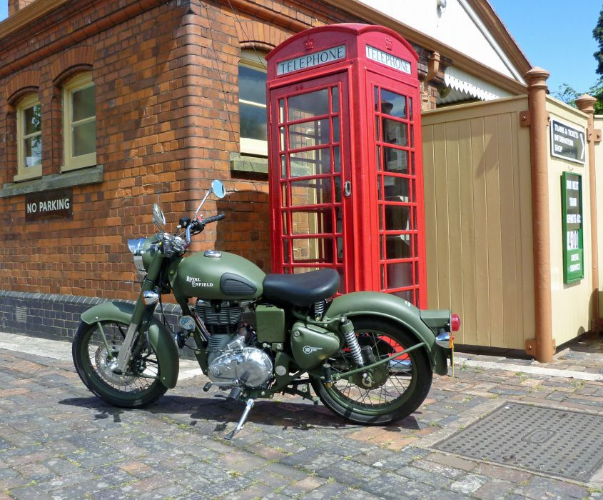 Royal Enfield Bullet C5 Military EFI 2011     f wallpaper
