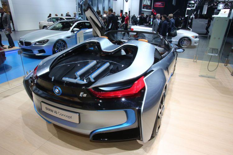 BMW i8 Concept Detroit 2013 wallpaper