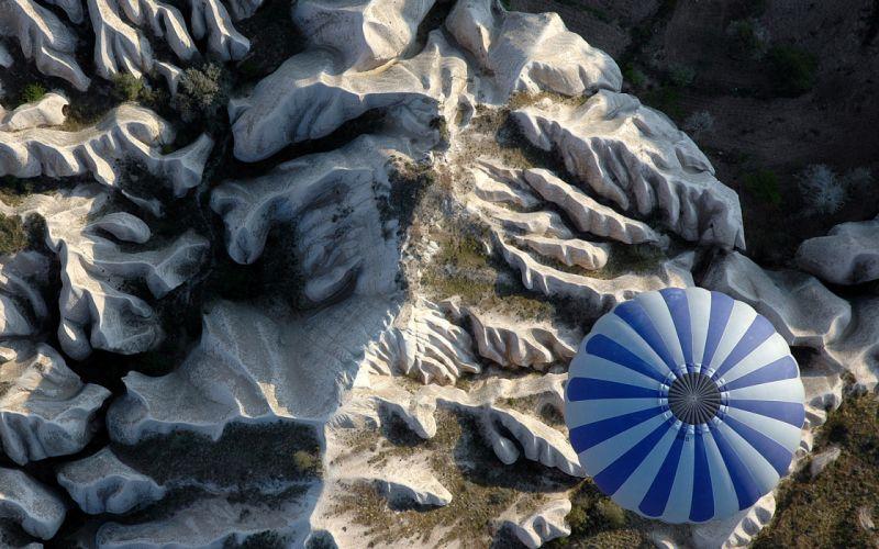Ridge air mountains flying balloon wallpaper