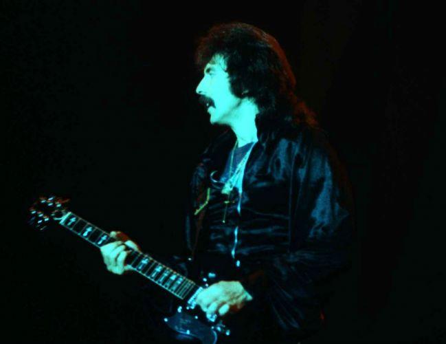 Black Sabbath heavy metal concert guitar dd wallpaper