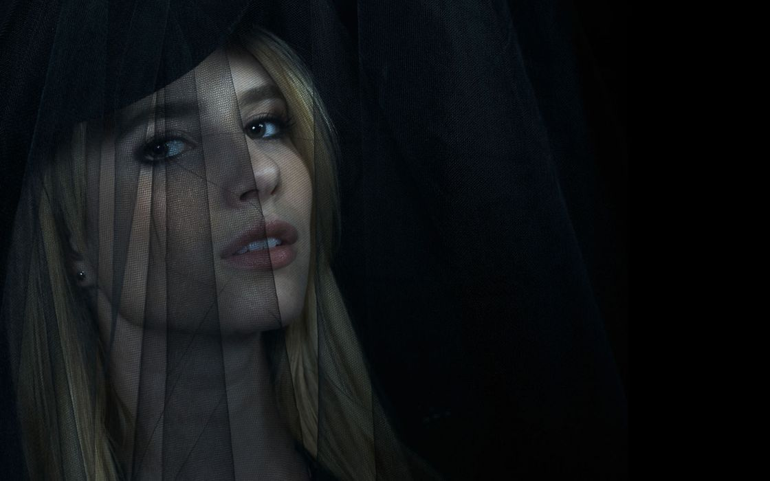 American Horror Story Emma Roberts Black Veil Blonde Face dark gothic mood wallpaper