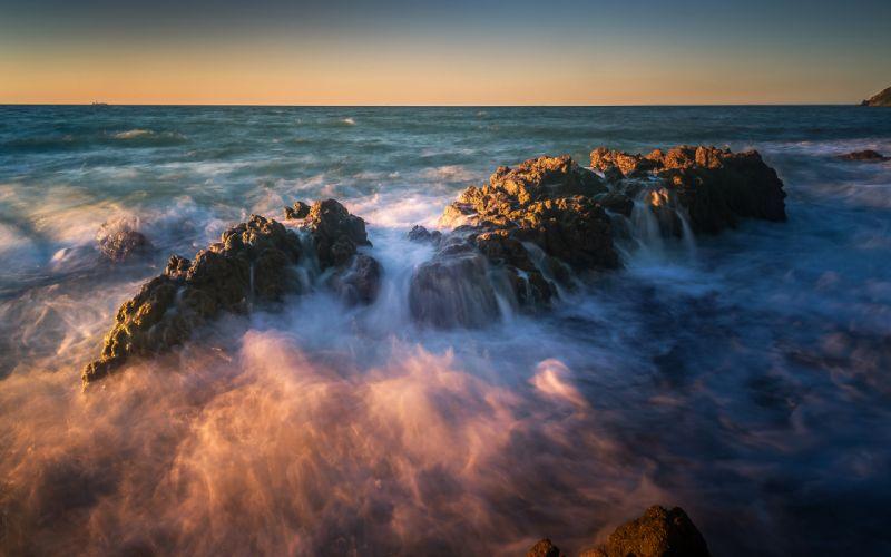 Ocean Rock wallpaper