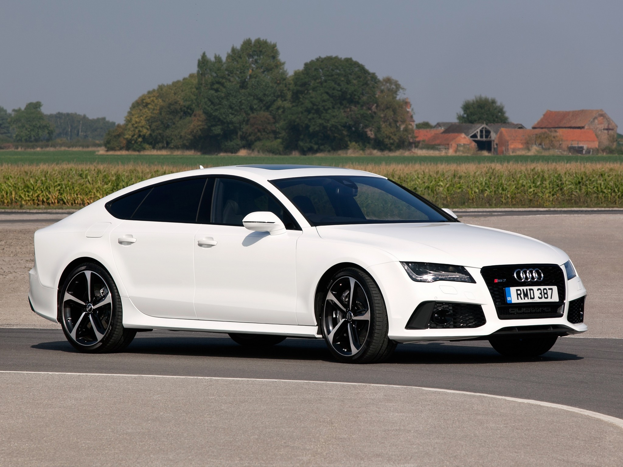 2013 Audi Rs7 Sportback Uk Spec Wallpaper 2048x1536