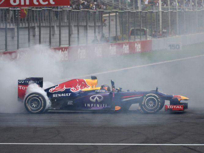 2013 Red Bull Renault Infiniti RB9 Formula One race racing f-1 wallpaper