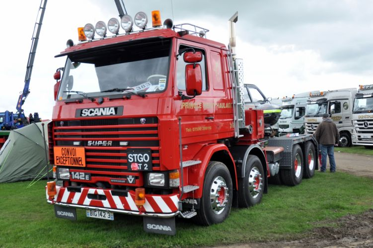 Pringle Heavy Haulage Scania 142 wallpaper