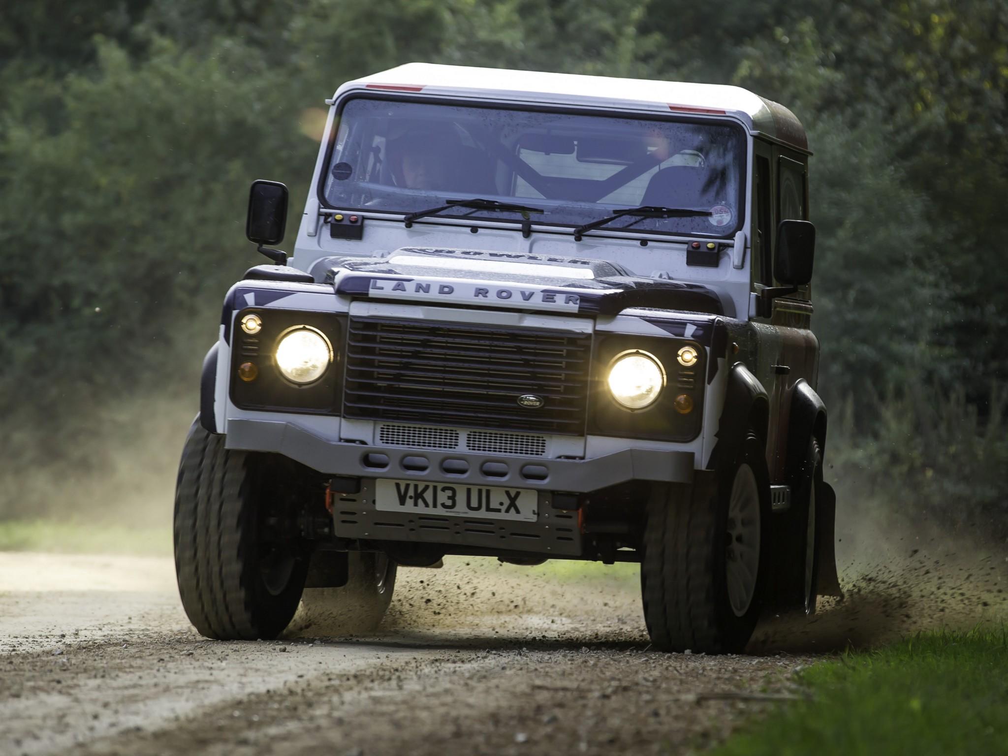 2014 land rover defender challenge truck suv 4x4 g. Black Bedroom Furniture Sets. Home Design Ideas