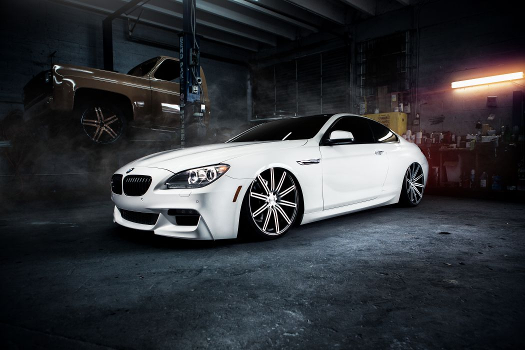 Vossen Retouch wallpaper