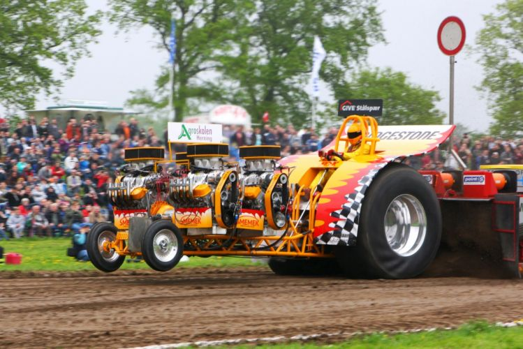 TRACTOR-PULLING race racing hot rod rods tractor engine m_JPG wallpaper