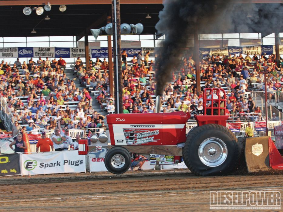 TRACTOR-PULLING race racing hot rod rods tractor international        f wallpaper