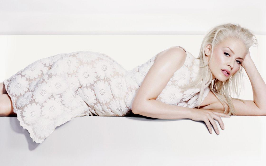 pefitsa girl blonde blondes singers models Kylie Minogue women wallpaper