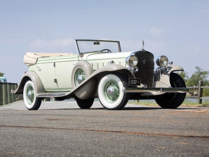 1932 Cadillac V16 452-B All Weather Phaeton by Fisher (32-16-273) retro luxury w wallpaper