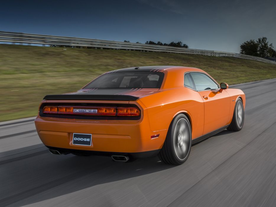 2014 Dodge Challenger R-T Shaker muscle  f wallpaper