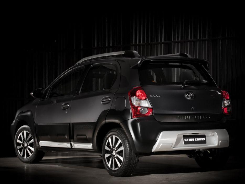 2014 Toyota Etios Cross awd suv  y wallpaper