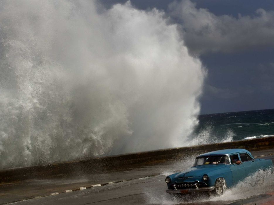 HURRICANE SANDY storm disaster weather destruction ocean waves     r wallpaper