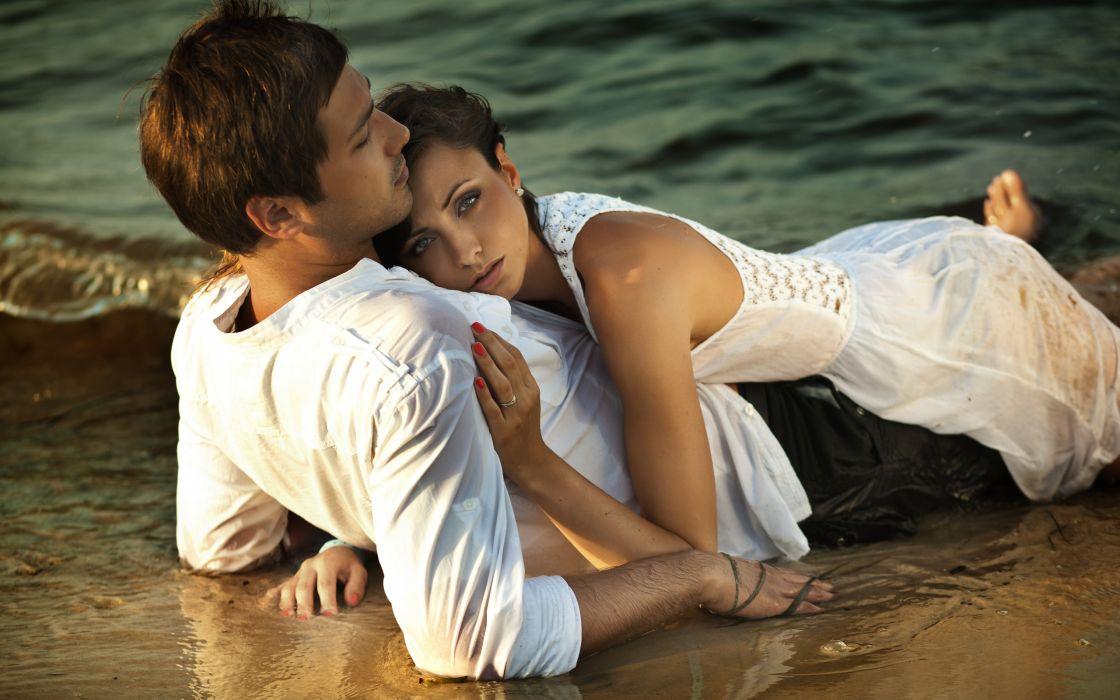 love beach couple sunset romance wallpaper