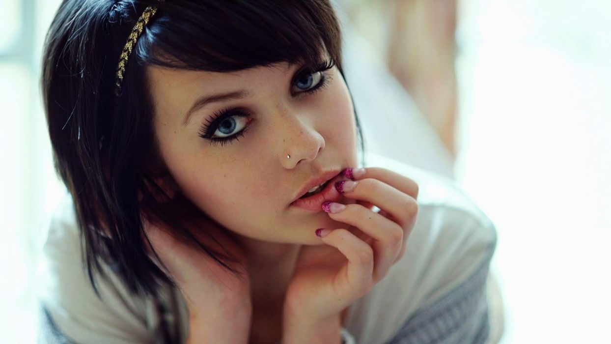 MELISSA CLARKE model brunette sexy babe     d wallpaper