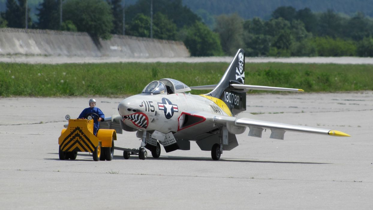 RADIO CONTROLLED airplane aircraft plane toy model military jet   y_JPG wallpaper
