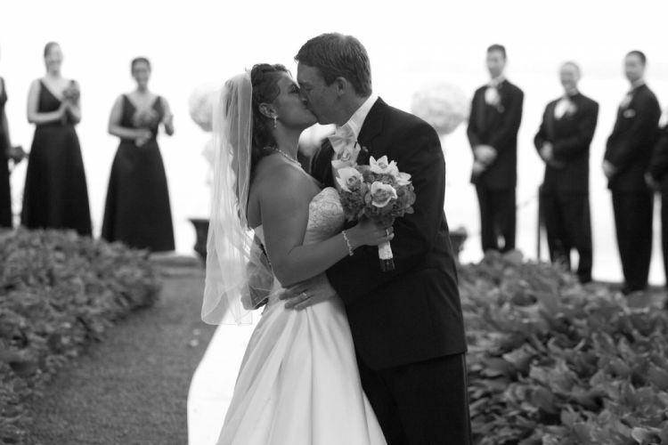 wedding bride gown dress fasshion mood love kiss g wallpaper