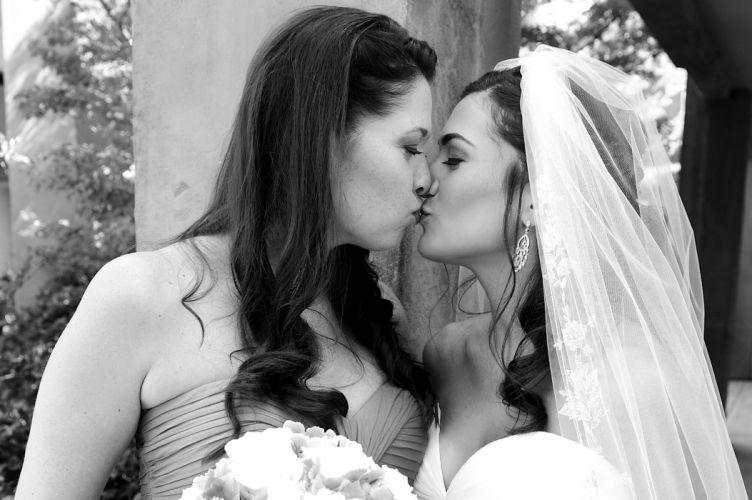wedding bride gown dress fasshion mood love kiss f wallpaper
