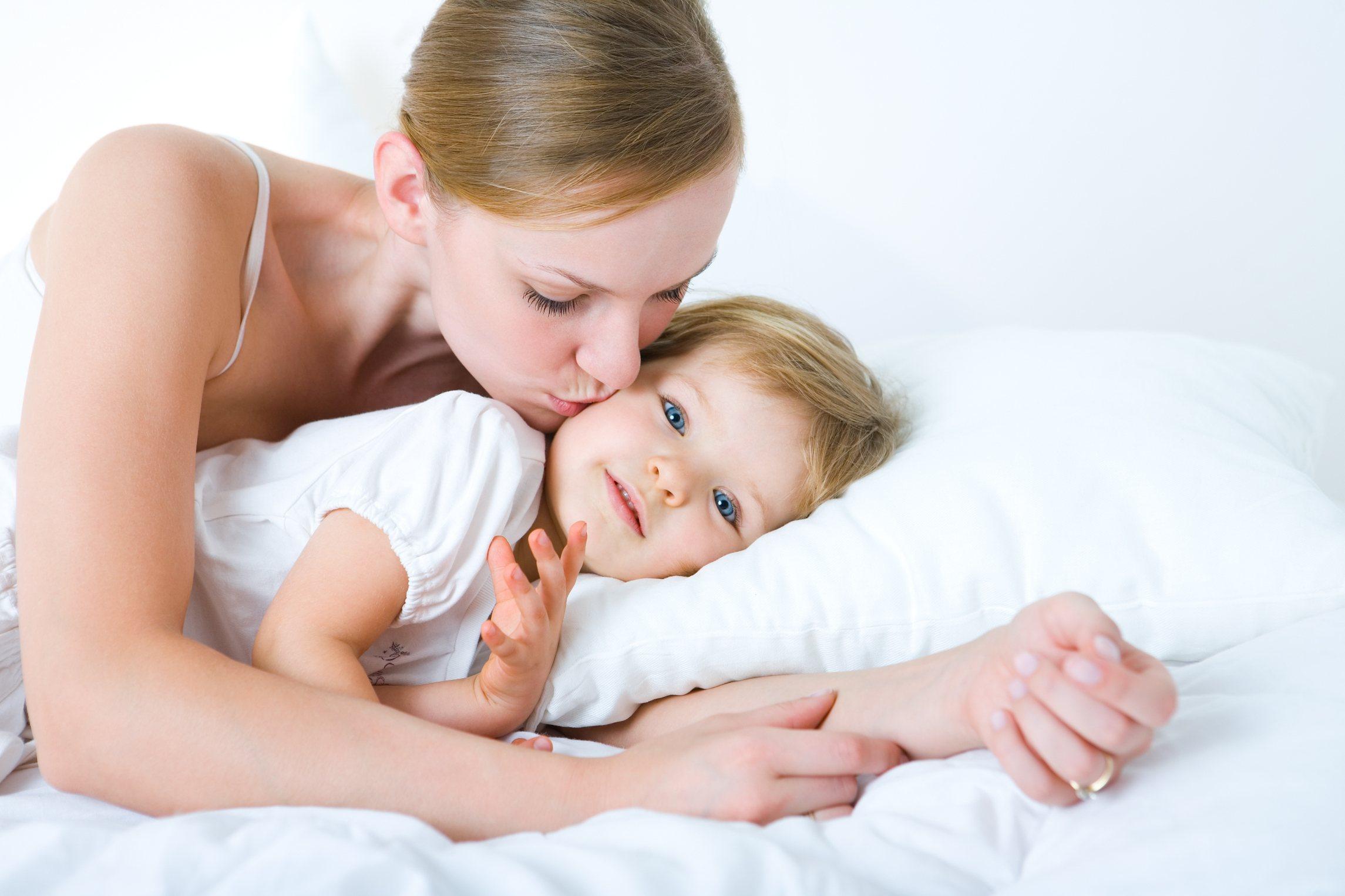 Сын и мать в hd 1 фотография