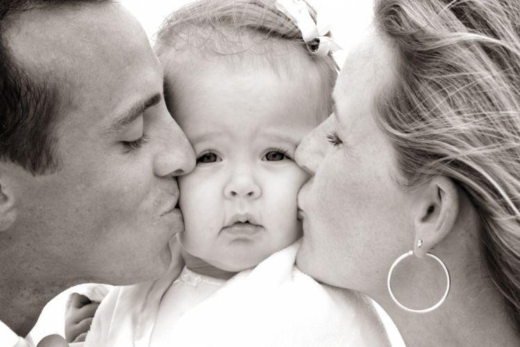 baby kiss cute child kids mood love y wallpaper