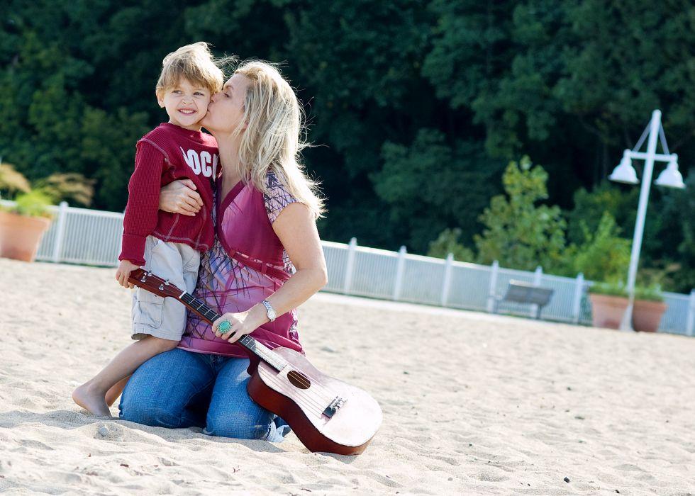baby kiss cute child kids mood love guitar    f wallpaper
