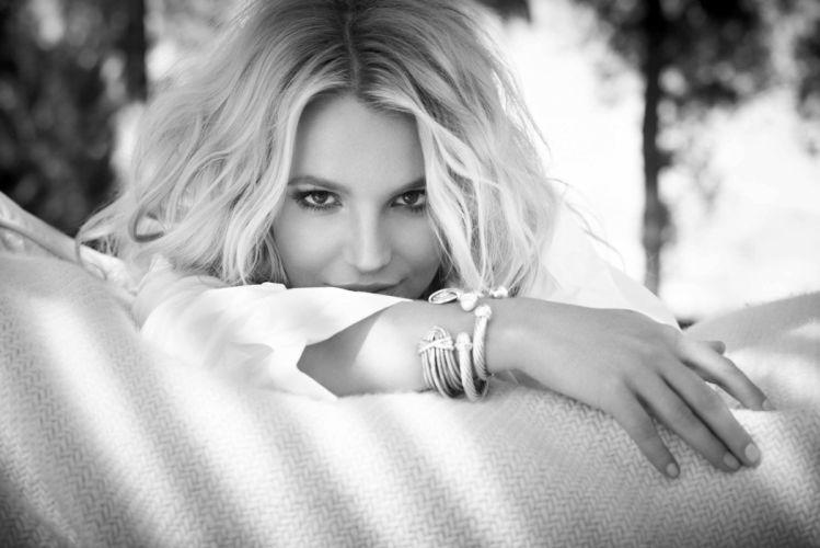 Britney Spears singer girl blonde face eyes hands bracelets wallpaper