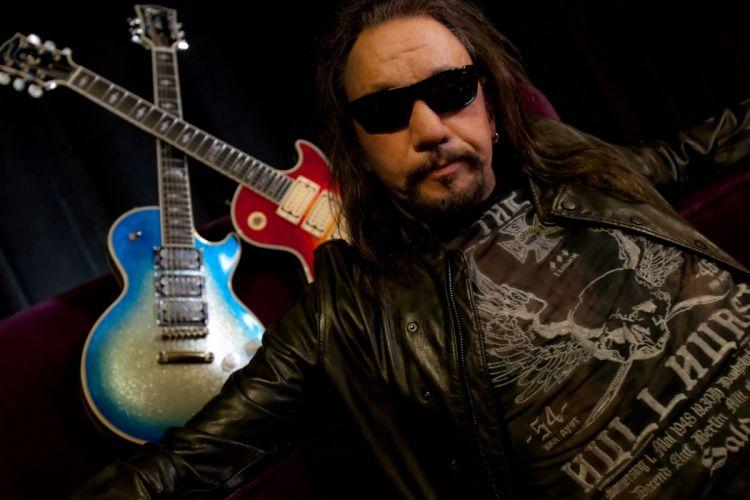 ACE FREHLEY heavy metal guitar f_JPG wallpaper