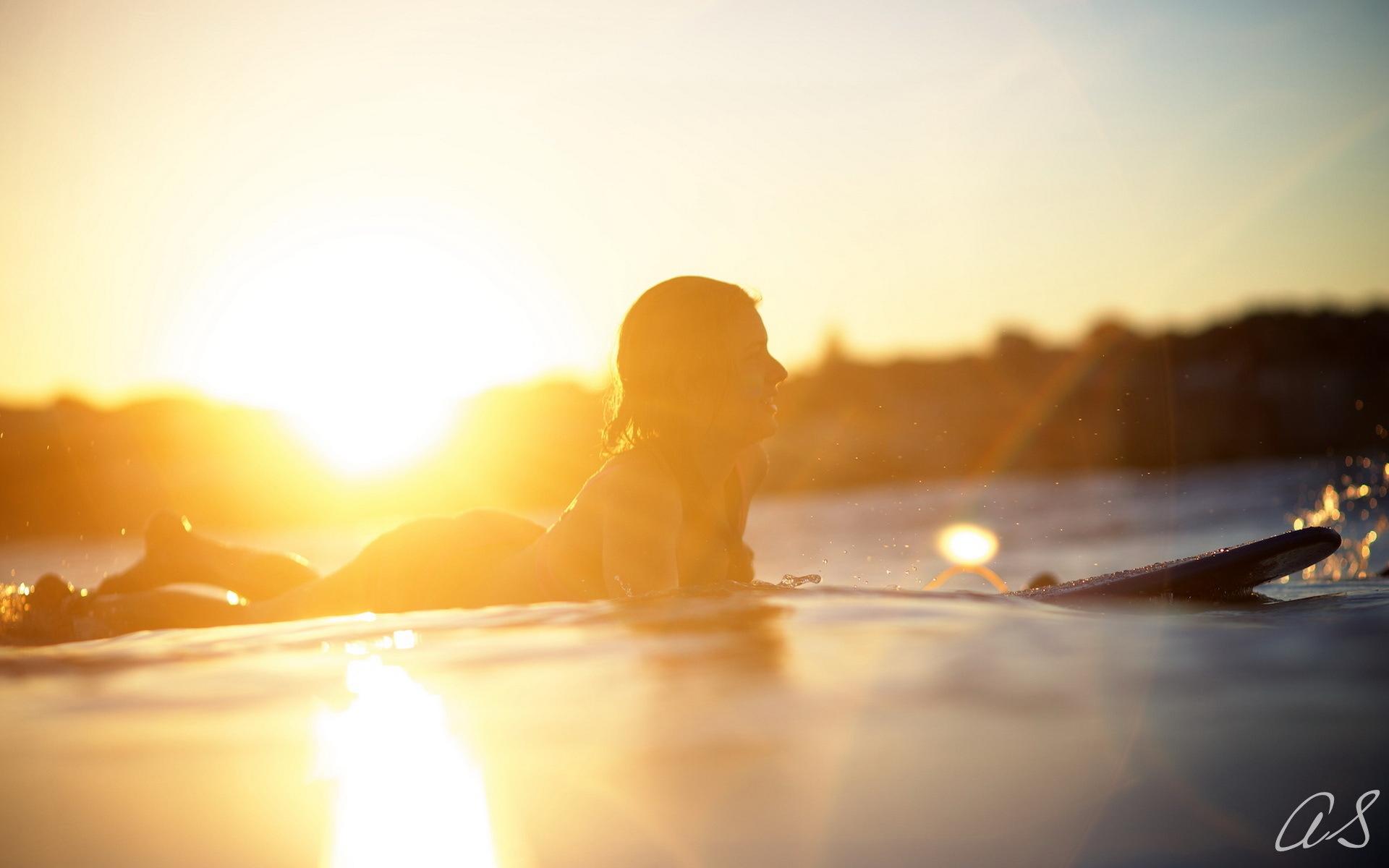 board light girl sport surfing wallpaper   1920x1200   177757