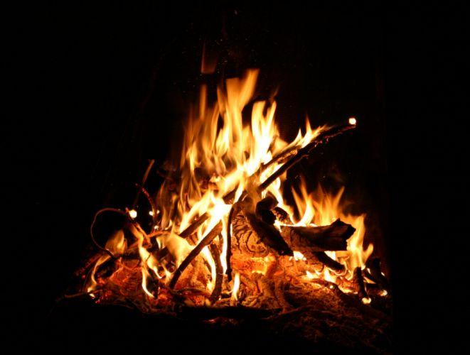 camp fire glow wood camping light g wallpaper