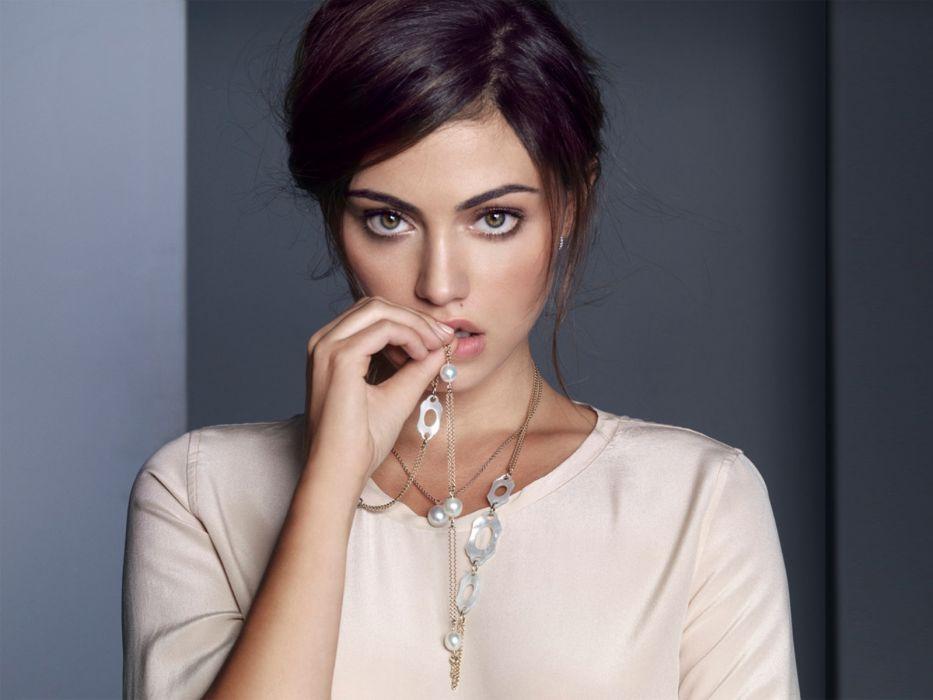 Phoebe Tonkin fashion model actress   r wallpaper