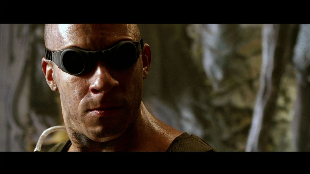 CHRONICLES OF RIDDICK sci-fi vin diesel warrior movie   f wallpaper