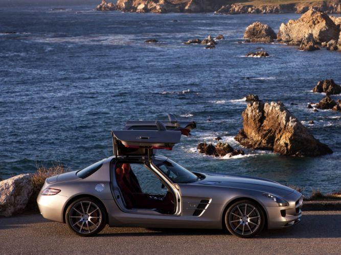 Mercedes Benz AMG SLS wallpaper