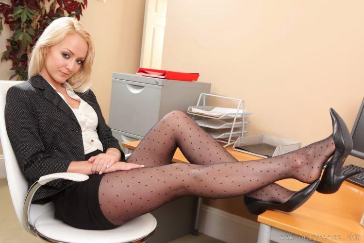 Alana Chase Pantyhose Legs Secretaries Blonde girl Girls sexy babe g wallpaper