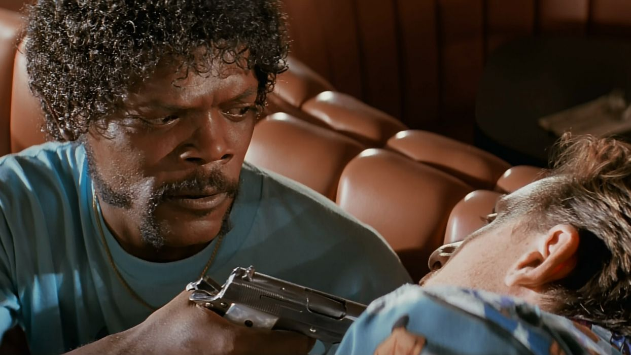 PULP FICTION Crime Thriller weapon gun       f wallpaper