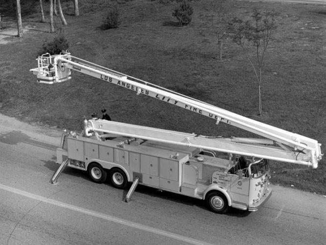 1968 Crown Firecoach emergency firetruck classic gd wallpaper